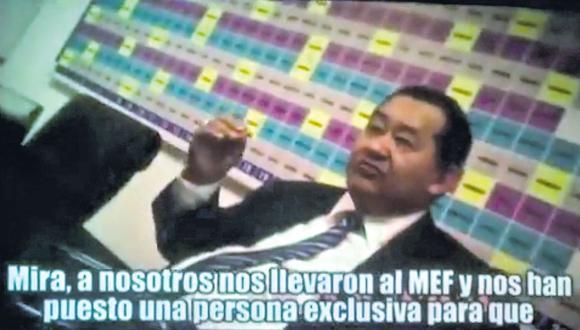 Bienvenido Ramírez es uno de los congresistas que aparece en los vídeos, además de Kenji Fujimori y Guillermo Bocángel, negociando el voto de Moisés Mamani. (Congreso de la República)