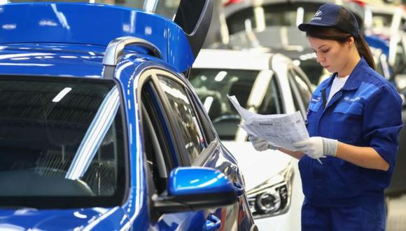 En Chile hay dos proyectos de ley en el Congreso que buscan reducir la jornada de trabajo semanal. (Foto: Getty Images)
