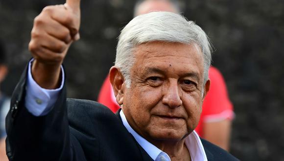 Elecciones en México: Andrés Manuel López Obrador (AMLO) votó por una luchadora social que no es candidata. (Foto: AP)