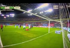 Córdova y Henry Martin se juntaron para anotar de penal al estilo Messi-Suárez [VIDEO]