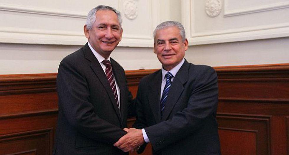 Cornejo y Villanueva juntos en toma de posta de la PCM