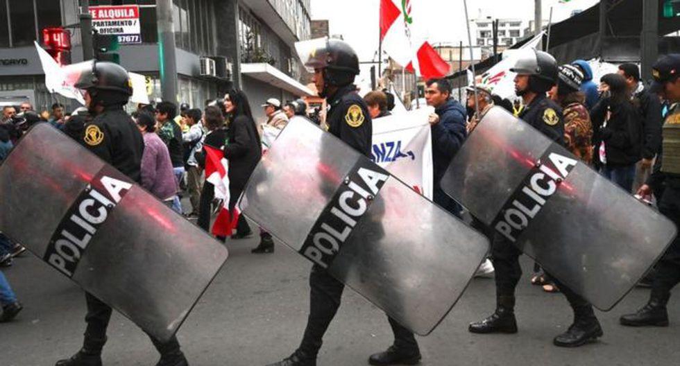 En Perú hay protestas a todas horas, dice el analista, pero no se transforman en manifestaciones nacionales. (Foto: Getty Images, vía BBC Mundo).