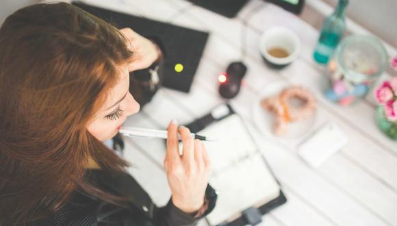 Una hora de trabajo intelectual intenso consume la misma energía que una hora de trabajo físico intenso, según los investigadores. (Foto: Referencial/Pixabay)
