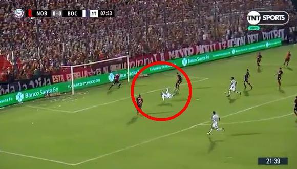 Darío Benedetto quedó solo frente al arquero de Newells y no pudo marcar el primero para Boca. (Foto: Captura).