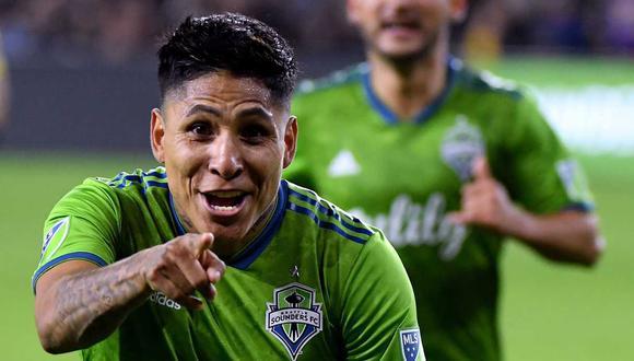 Raúl Ruidíaz ya no ocupará plaza de extranjero en el plantel de Seattle Sounders. (Foto: AFP)