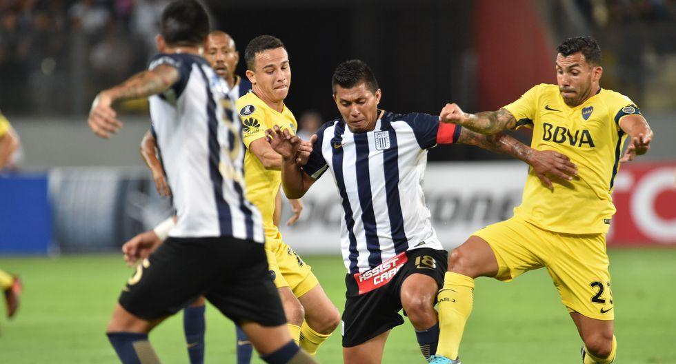 Alianza Lima y Boca Juniors disputaron un intenso partido en el Estadio Nacional de Lima. Ambos equipos gozaron de chances claras de gol, pero se fueron con el marcador en blanco. (Foto: AFP)