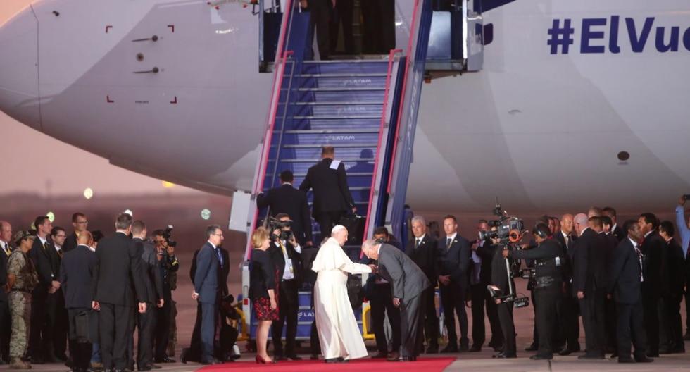El mandatario despidió al papa Francisco, quien se dirige de retorno al Vaticano. (Foto: Cancillería)