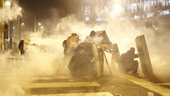 El día de ayer se registraron enfrentamientos entre los manifestantes y la policía nacional.  (Foto: CÉSAR CAMPOS / @photo.gec)