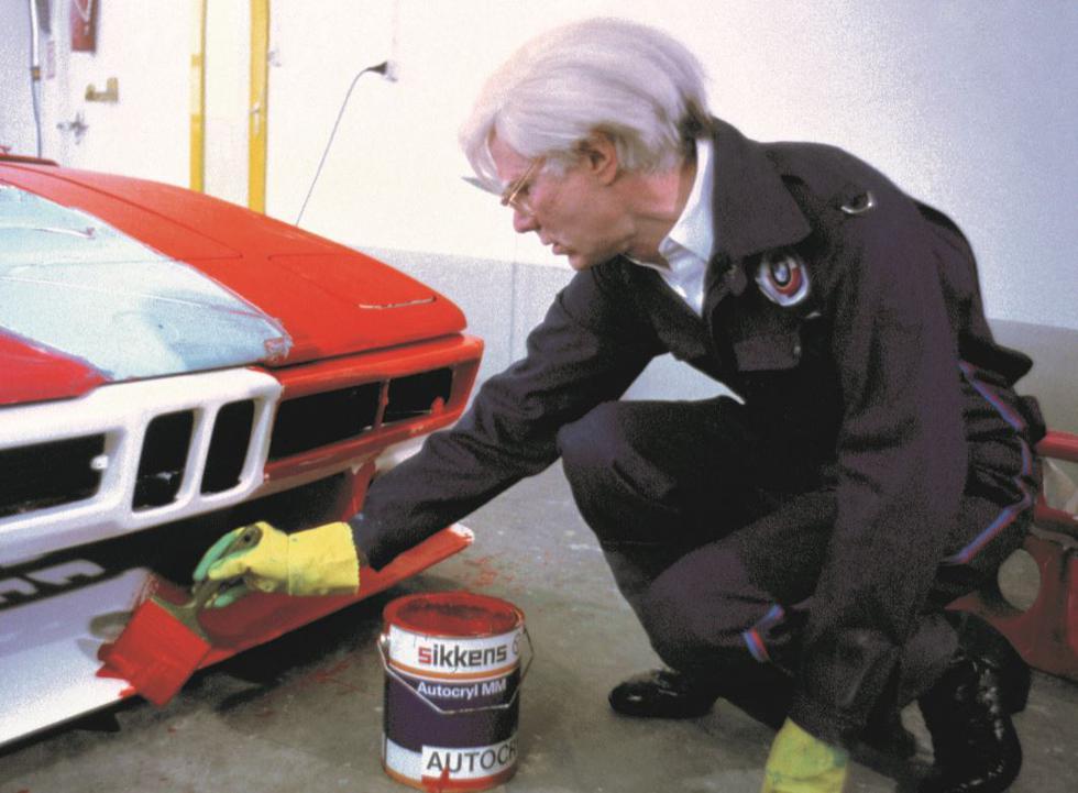 Más de cuatro décadas han transcurrido desde que Andy Warhol fue invitado por BMW a intervenir uno de sus modelos. Se trató del cuarto artista en participar de la serie Art Car. (Foto: BMW)