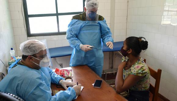 Desde el 2001, la creación del  Seguro Integral de Salud (SIS) ha beneficiado a peruanos y extranjeros residentes en el Perú que no cuentan con otro seguro de salud vigente. (Foto: AFP)