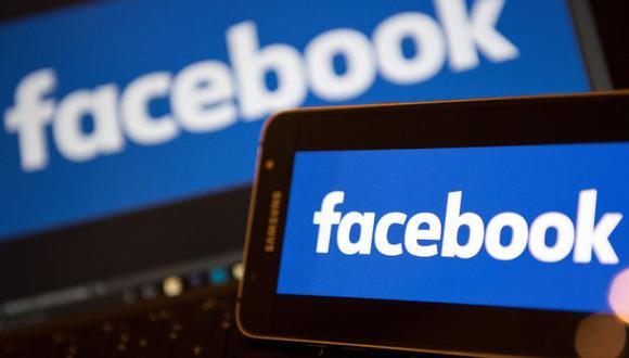 Las noticias falsas se propagan en redes sociales como Facebook y Twitter. Por ello, muchos países están impulsando nuevas leyes para evitar su difusión. (Foto: AFP)
