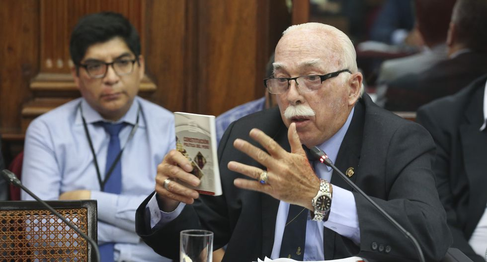 El congresista Carlos Tubino dijo que escucharán la posición del Ejecutivo en su reunión con Salvador del Solar. (Foto: Congreso)