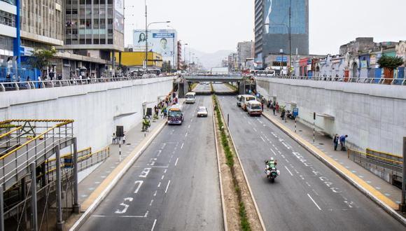 En un marco de normalidad, los vehículos particulares solo pueden circular por las vías auxiliares. (Foto: MML)
