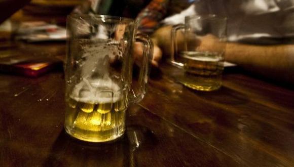Cinco alimentos que no debes comer cuando estás borracho