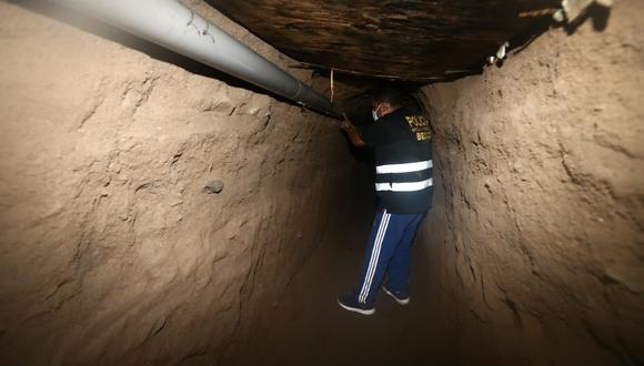 Así luce el interior del túnel, el cual fue descubierto por la policía. (Foto: Jesus Saucedo / @photo.gec)