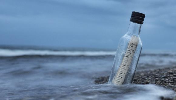La botella había sido lanzada al mar por los miembros de un buque de investigación científica. (Foto referencial - Pexels)