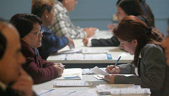 Los afiliados a las AFP están preocupados por el impacto de la caída de la acción de Graña y Montero. (Foto: El Comercio)