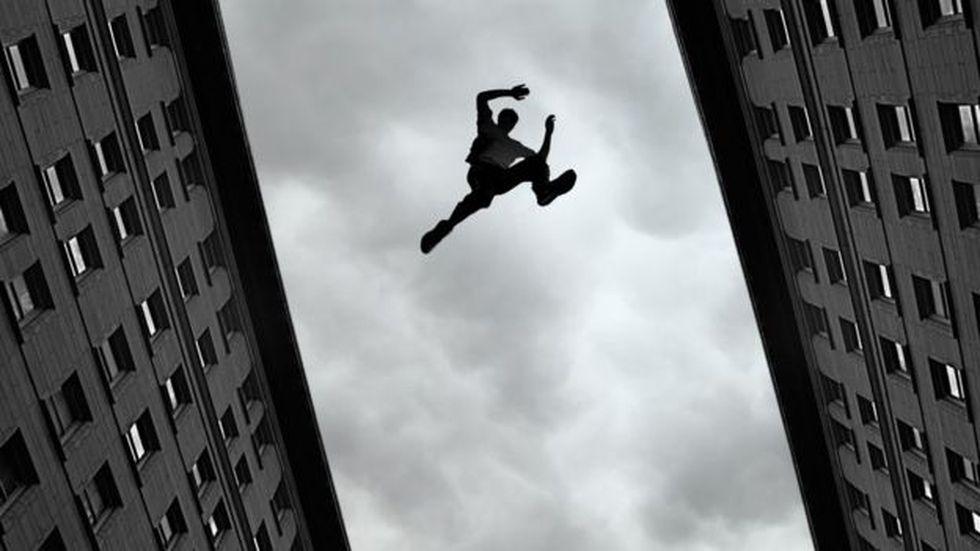 El parkour, como cualquier otro deporte, exige horas y horas de entrenamiento. (Foto: AFP)