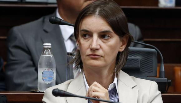 Ana Brnabic, de 41 años, se desempeña en la actualidad como ministra de Administración Pública. (AP).