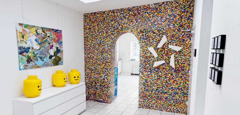 De colores: Esta pared está hecha con más de 55 mil Lego - 1