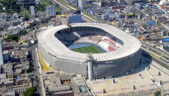 El césped del Estadio Nacional se encuentra en malas condiciones, tras la cuarentena. (GEC)