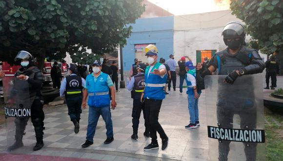 En la página web de los Bomberos se detalló que el siniestro fue reportado a las 5:23 p.m. y que seis unidades atienden la emergencia. (Foto: Municipalidad de Lima)
