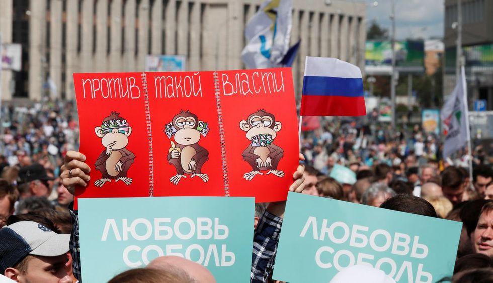 Rusos protestan contra la negativa de registrar a candidatos de la oposición. (Foto: Reuters)