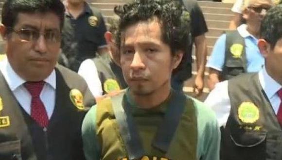 El febrero pasado, la policía capturó al sujeto acusado de matar y quemar a su pareja en un cilindro de San Juan de Lurigancho. (América Noticias)