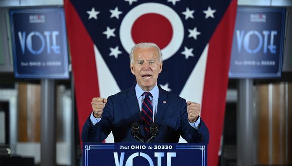 El candidato presidencial demócrata y exvicepresidente Joe Biden pronuncia un discurso en Cincinnati, Ohio, el 12 de octubre de 2020. (Foto de JIM WATSON / AFP).