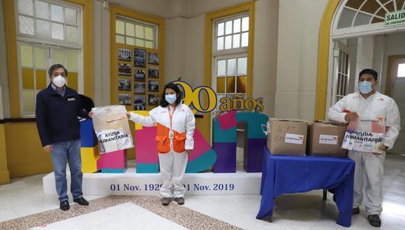 Los donativos fueron recibidos por el Dr. Alberto Romero Guzmán, director adjunto del Instituto Nacional de Salud del Niño (Breña), quien agradeció la acción de la organización. (Foto: World Vision Perú)