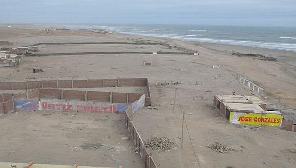 Presuntos traficantes de tierras venden playas en Pimentel