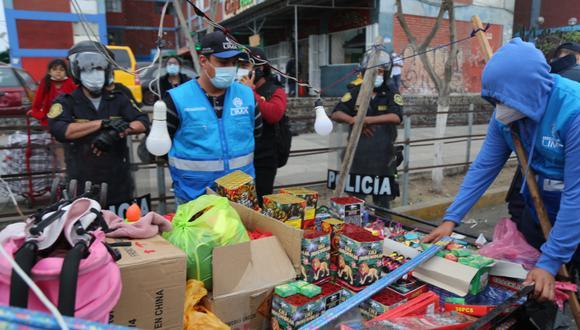 Decomisan productos pirotécnicos en el Cercado de Lima. (Foto: MML)