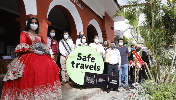 La ministra de Comercio Exterior y Turismo, Claudia Cornejo, entregó el sello internacional Safe Travels, al Destino Huánuco. (Foto: Mincetur)