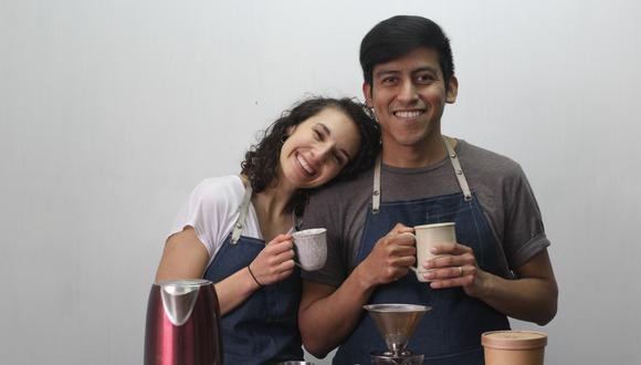 """Jemmy y Anna Rose Carreño se conocieron en el 2017 en un evento en el que él vendía café. Hoy, son esposos y la pareja detrás de """"Velover Café"""", un emprendimiento con propósito. (Foto: Velover Café)"""