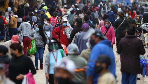 """""""La pandemia ha desmembrado el aparato económico, presentándose una contracción no observada desde hace 30 años"""", comenta Tuesta. (Foto: Fernando Sangama / GEC)"""