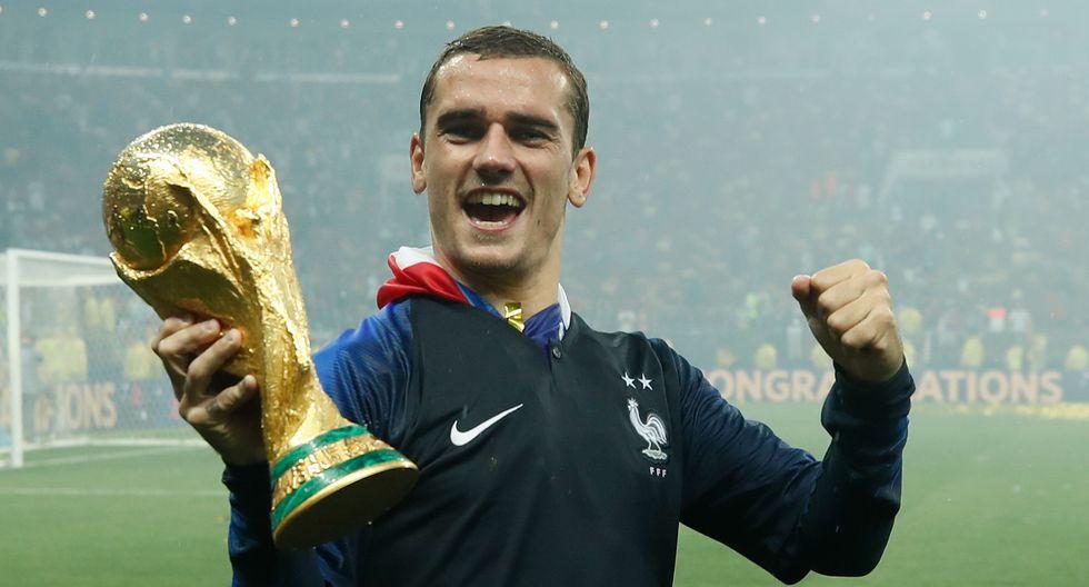 Francia vs. Croacia: Griezmann celebró con la bandera de Uruguay. (Foto: AFP)
