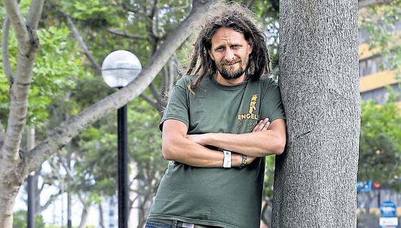 Luis Urbina, de 36 años, asegura que durante dos años sufrió abusos sexuales en el Sodalicio. (Víctor Gonzales / El Comercio)