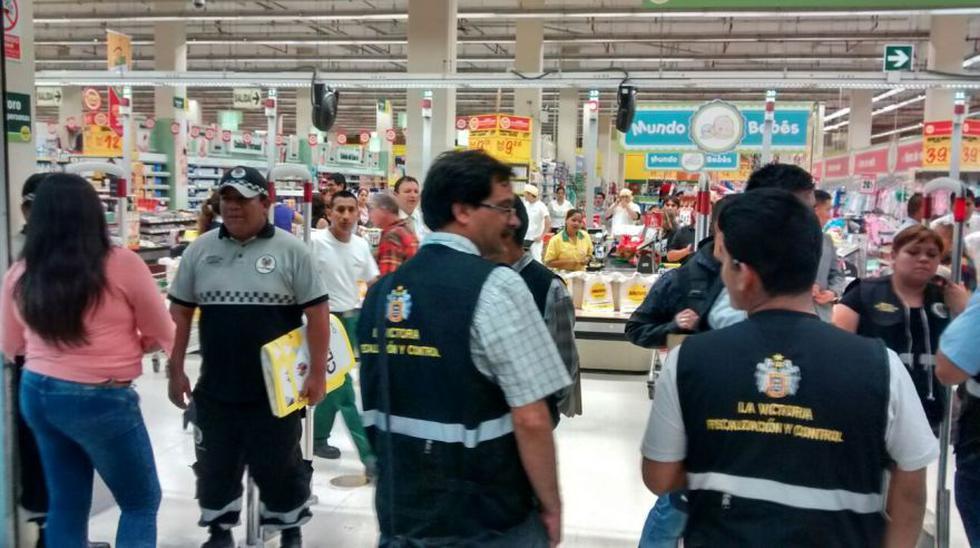 Municipio de La Victoria clausuró locales de Plaza Vea y Metro - 6