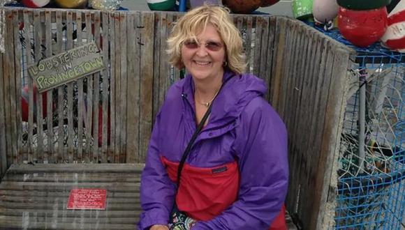 Carolyn Savikas tiene 71 años, es estadounidense y ayer vivió una pesadilla en medio de un viaje de placer. (Facebook)