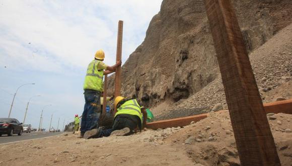 Costa Verde: colocación de mallas en acantilados avanza lento