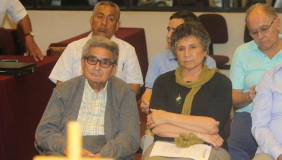 Abimael Guzmán evalúa solicitar cambio de penal, afirma Crespo