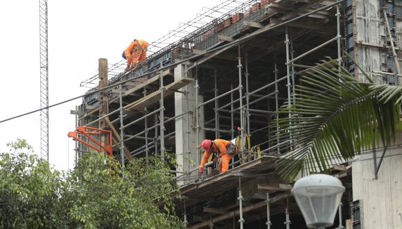 Se deberá promover horarios de trabajo escalonados para la ejecución de las actividades de construcción. (Foto: GEC)
