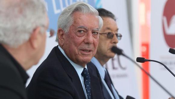 Mario Vargas Llosa llega a Venezuela precedido de polémica