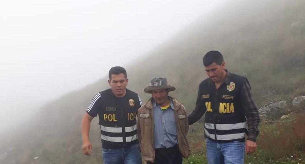 Policías caminaron tres horas para llegar a la casa del requisitoriado por la justicia y capturarlo. (GEC)