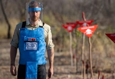 """El príncipe Harry, """"emocionado"""" al seguir los pasos de su madre para denunciar las minas antipersonales"""