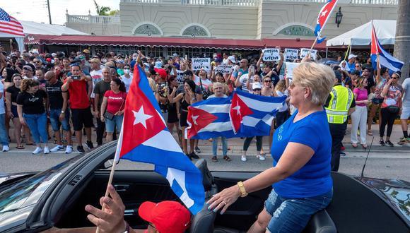 Cubanoestadounidenses asisten a una manifestación en Miami en apoyo a las protestas en Cuba, el 11 de julio de 2021. (EFE / EPA / CRISTOBAL HERRERA-ULASHKEVICH).