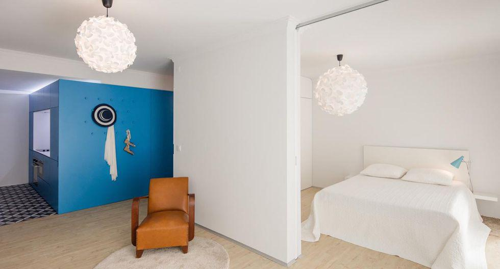 Ubicado en Portugal,  la decoración de este departamento se basa en el estilo minimalista. Tiene como pieza central un volumen turquesa que sirve de separación para los distintos ambientes. (Foto: João Morgado /tiagodovale.com)
