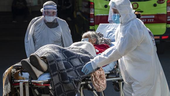 ¿Cómo Chile pasó de ser admirado por su lucha contra el coronavirus a ser uno de los países con más contagios? Foto: Martin BERNETTI / AFP