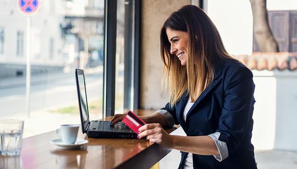 Con las transacciones por Internet no tendrás que hacer colas, manejar hasta el banco o estar sujeto al horario de las entidades financieras.