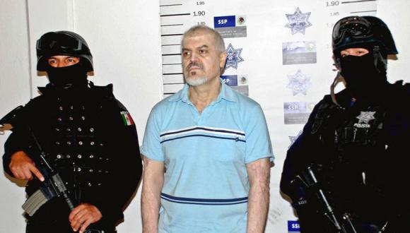 Fotografía difundida el 26 de octubre de 2008 en la Ciudad de México por la Secretaría de Seguridad Pública, que muestra a Eduardo Arellano Félix (C), considerado el número dos del notorio cartel del narcotráfico de Tijuana. (Foto: HO / Secretaria de Seguridad Publica / AFP).